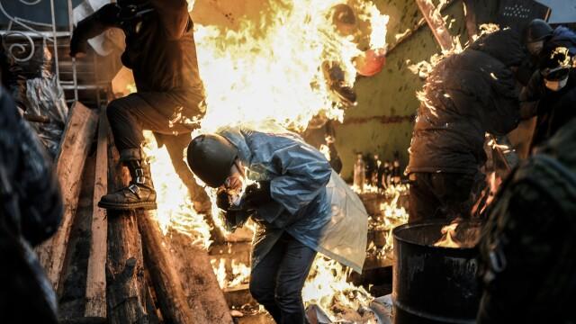 Euromaidan, revolutia care si-a luat numele de la un hashtag de pe internet. Momentele cheie ale celor 3 luni de revolte - Imaginea 10
