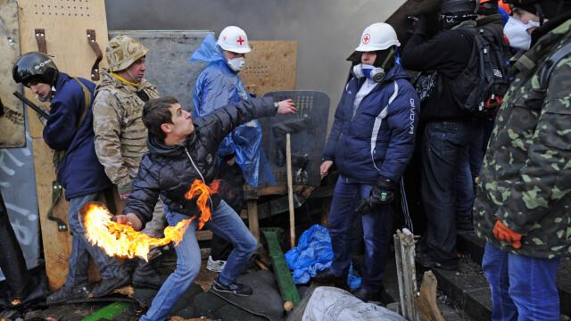 Ucraina are un presedinte interimar: Aleksandr Turcinov. Ce i-a spus Angela Merkel la telefon Iuliei Timosenko - Imaginea 17