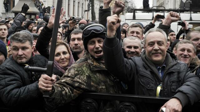 Ucraina are un presedinte interimar: Aleksandr Turcinov. Ce i-a spus Angela Merkel la telefon Iuliei Timosenko - Imaginea 22