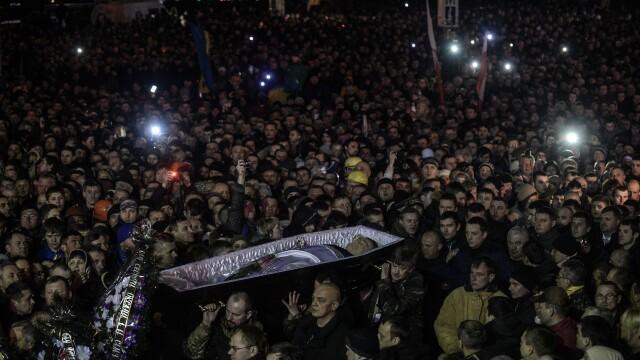 Ucraina are un presedinte interimar: Aleksandr Turcinov. Ce i-a spus Angela Merkel la telefon Iuliei Timosenko - Imaginea 28