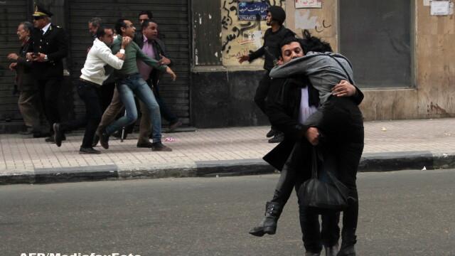 Un fotoreporter egiptean a imortalizat momentul in care o protestatara e ucisa. Povestea emotionanta din spatele fotografiei - Imaginea 1