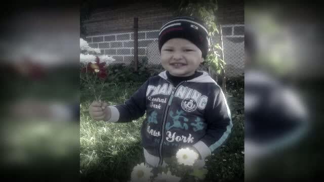 Trupul copilului din Maramures, rapus de o pneumonie, a fost deshumat. Legistii vor stabili daca este vorba de culpa medicala