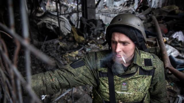 Apocalipsa din estul Ucrainei. Peisajul dezolant din Donetk aduce aminte de sfarsitul celui de-Al Doilea Razboi Mondial. FOTO - Imaginea 1