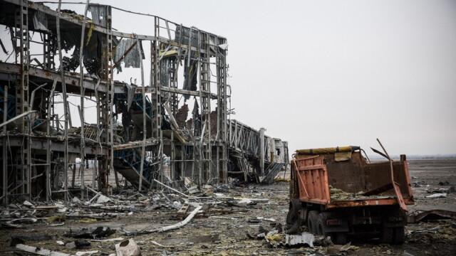 Apocalipsa din estul Ucrainei. Peisajul dezolant din Donetk aduce aminte de sfarsitul celui de-Al Doilea Razboi Mondial. FOTO - Imaginea 3