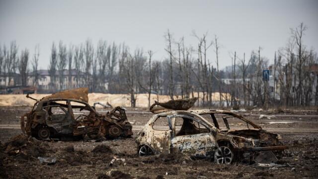 Apocalipsa din estul Ucrainei. Peisajul dezolant din Donetk aduce aminte de sfarsitul celui de-Al Doilea Razboi Mondial. FOTO - Imaginea 7