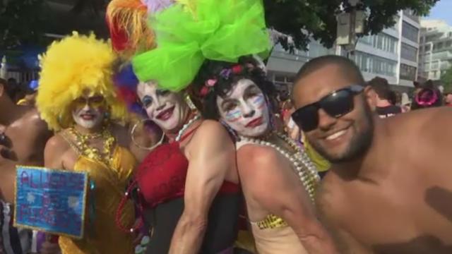 Carnavalul de la Rio, amenintat de Zika. Femeile care planuiesc sa faca un copil, sfatuite sa evite saruturile cu necunoscuti