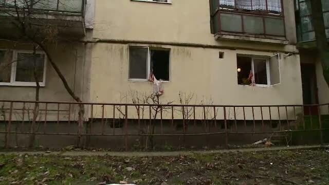 Explozie intr-un bloc din Cluj. Femeia in apartamentul careia s-a produs deflagratia, in stare grava la spital