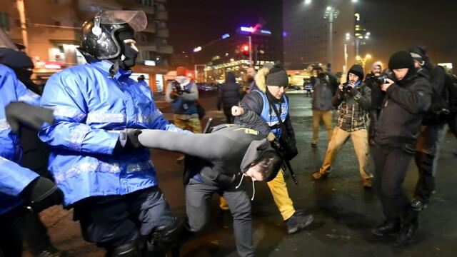 Cine sunt cei care au atacat fortele de ordine in Piata Victoriei. Marturia unui jurnalist german, bagat in duba