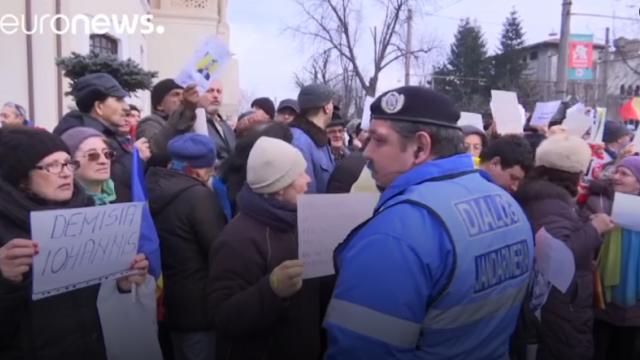 Euronews: Suspiciunea persista dupa abrogarea ordonantei controversate de catre Guvernul de la Bucuresti. VIDEO