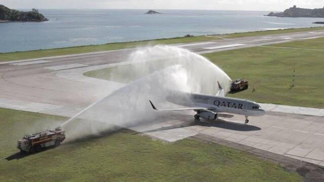 Cea mai lunga cursa aeriana directa a aterizat dupa 16 ore, 14.535 km parcursi si 10 fusuri orare traversate. VIDEO