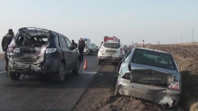 Accident in lant pe Drumul European 85, in Suceava. Ce s-a intamplat dupa ce o ambulanta a fost lovita de un sofer baut