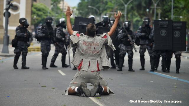 Haos si anarhie in Brazilia. Infractorii si criminalii fac prapad pe strazi, dupa ce politia a intrat in greva. GALERIE FOTO - Imaginea 4