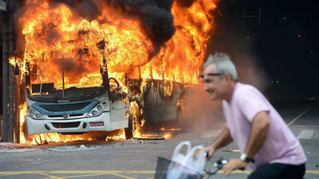 Haos si anarhie in Brazilia. Infractorii si criminalii fac prapad pe strazi, dupa ce politia a intrat in greva. GALERIE FOTO - Imaginea 6