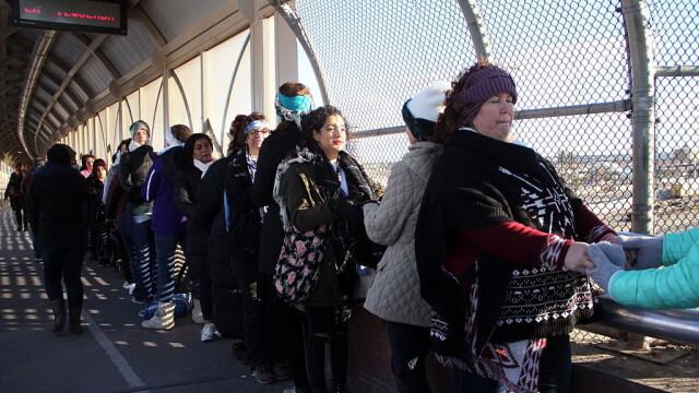 \'\'Zid uman\'\' la frontiera Mexic - SUA, in semn de protest fata de politica privind migratia: \