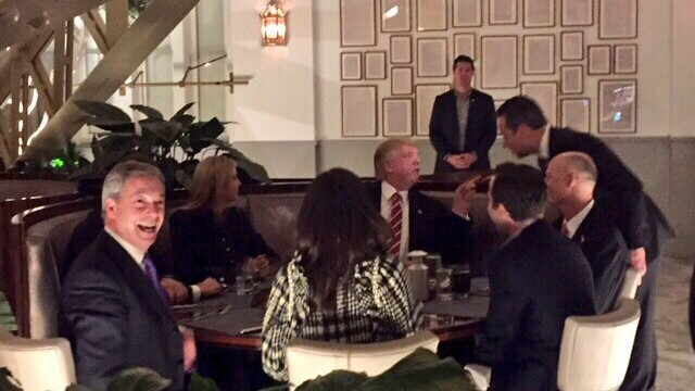 Donald Trump si Nigel Farage la cina