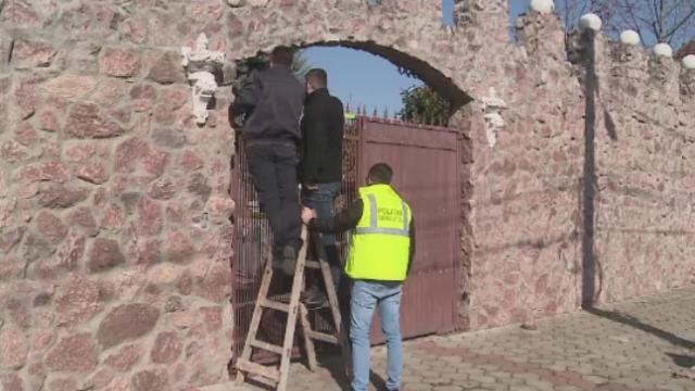 Casa unui interlop cunoscut din Arad, atacata cu gloante in miez de noapte. Pe cine suspecteaza