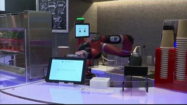 robot cafea