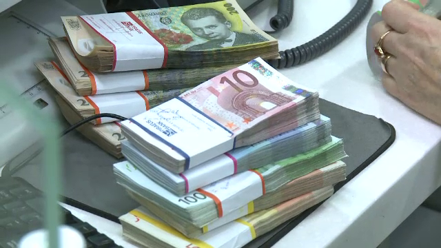 Bloomberg: Bogaţii lumii au pierdut aproape 100 de miliarde de dolari din cauza turbulenţelor de pe bursă