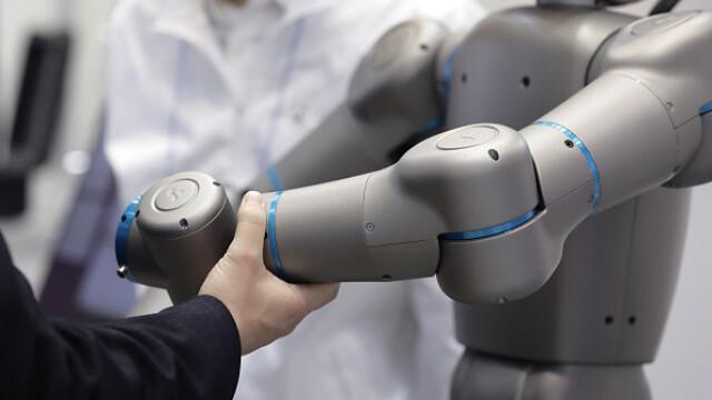 Roboții vor avea grijă de bătrânii bolnavi din Japonia, începând cu anul 2020