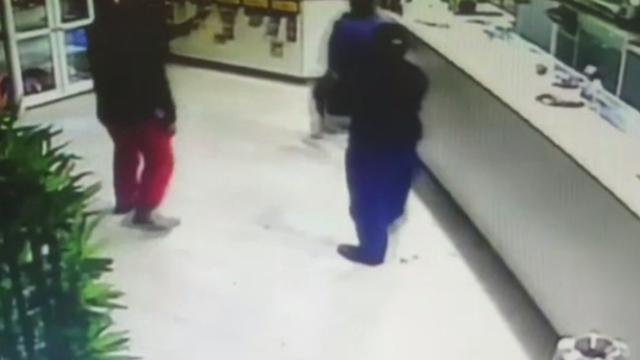 Surpriza de care au avut parte doi hoți, atunci când au încercat să fure dintr-un restaurant