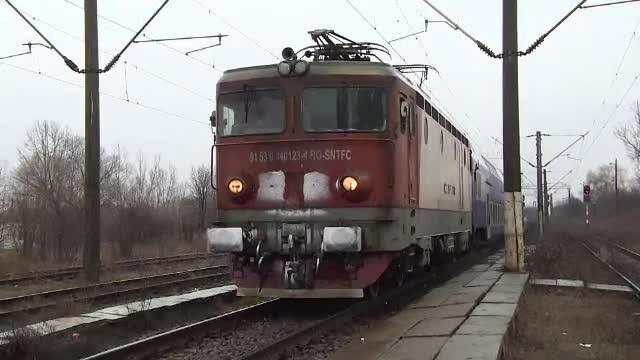 Trafic feroviar blocat în județul Bacău, după ce vagoanele unui tren de marfă au deraiat
