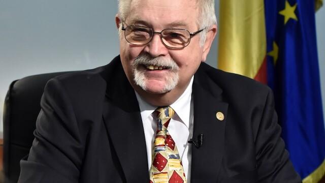 ministrul Anton Anton