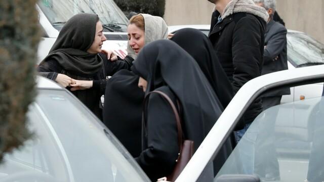 Un avion cu 66 de oameni la bord s-a prăbuşit în Iran. Peste 200 de salvatori participă la căutări