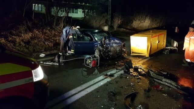 Patru persoane rănite într-un accident pe Valea Oltului, după ce un şofer a adormit la volan