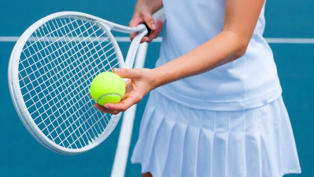 jucatoare tenis istock