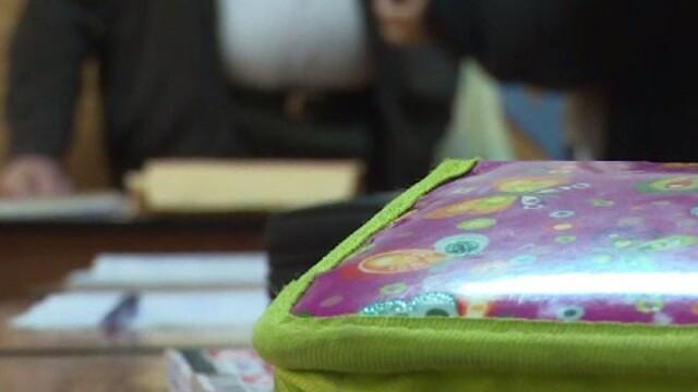 Profesorii cer o lege care să-i apere de violența din școli. Vor statut ca demnitarii