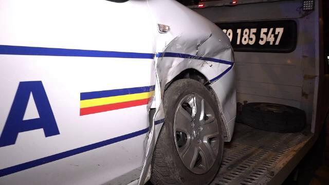 Mașină de poliție, aflată în misiune, lovită în Buzău. Cum se apără șoferul