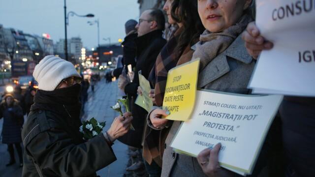 OUG pe Legile Justiţiei a scos magistraţii în stradă. Ar putea urma o grevă fără precedent