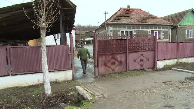 Doi soți din Oradea au fost găsiți morți în casă, după ce au băut cafea. Bărbatul avea arsuri pe corp