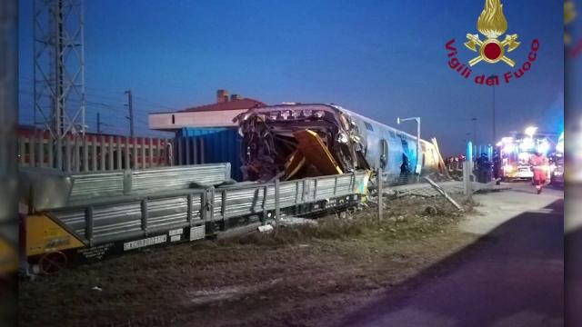 Un tren de mare viteză a deraiat în Italia. Doi morți și zeci de răniți - Imaginea 1