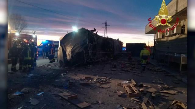 Un tren de mare viteză a deraiat în Italia. Doi morți și zeci de răniți - Imaginea 3