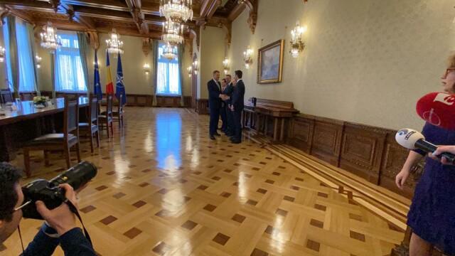 """Consultări la Cotroceni. Orban, """"premierul de sacrificiu"""" prin care Iohannis forțează anticipatele - Imaginea 6"""
