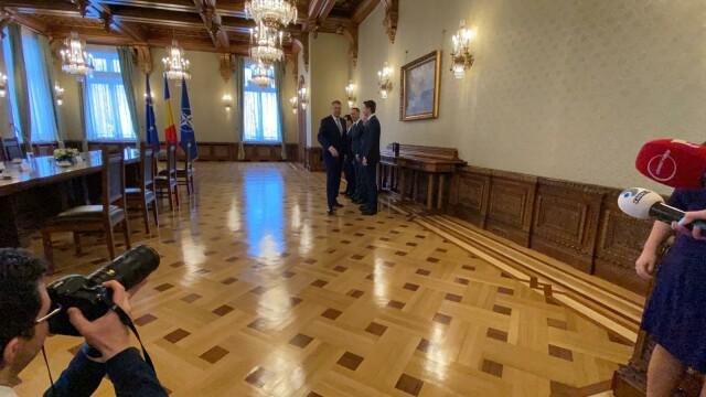 """Consultări la Cotroceni. Orban, """"premierul de sacrificiu"""" prin care Iohannis forțează anticipatele - Imaginea 7"""