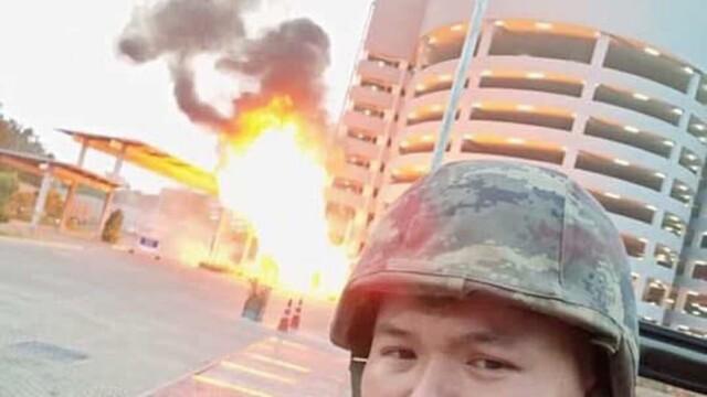 Un soldat din Thailanda a omorât 21 de oameni și a făcut selfie-uri după masacru