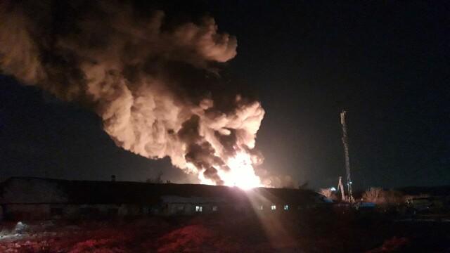 VIDEO. Incendiu violent în Ilfov. O hală de producție a fost mistuită de flăcări - Imaginea 3