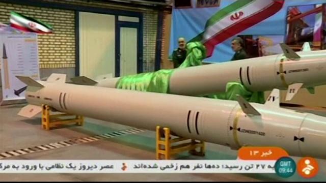 Iranul a prezentat o nouă rachetă în direct, la TV. Ce s-a întâmplat în timpul testelor
