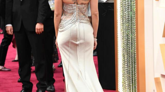Top 10 cele mai frumoase ținute de la Premiile Oscar 2020 - Imaginea 5