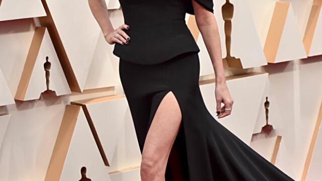 Top 10 cele mai frumoase ținute de la Premiile Oscar 2020 - Imaginea 9