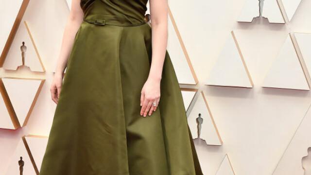 Top 10 cele mai frumoase ținute de la Premiile Oscar 2020 - Imaginea 14