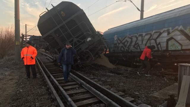 Tren deraiat în judeţul Olt. Mai multe curse au fost anulate sau au întârzieri uriaşe - Imaginea 1