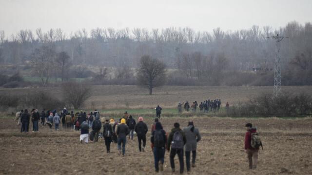 """Turcia deschide """"porțile"""" refugiaților sirieni către Europa. Grecia și-a dublat patrulele, Bulgaria sporește controalele - Imaginea 1"""