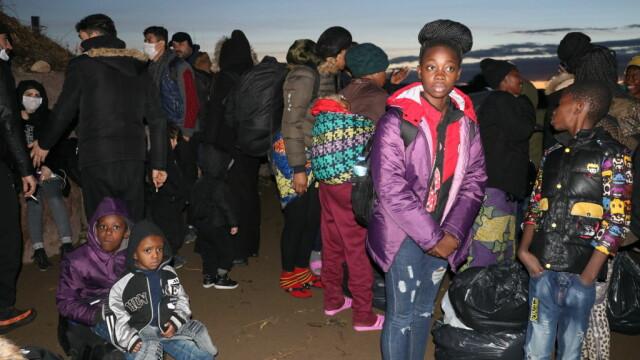 """Turcia deschide """"porțile"""" refugiaților sirieni către Europa. Grecia și-a dublat patrulele, Bulgaria sporește controalele - Imaginea 4"""