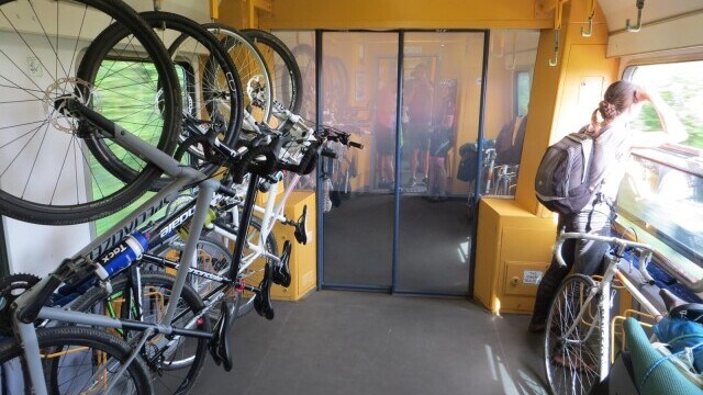 CFR Călători va introduce vagoane speciale pentru biciclete. Pe ce rute vor circula