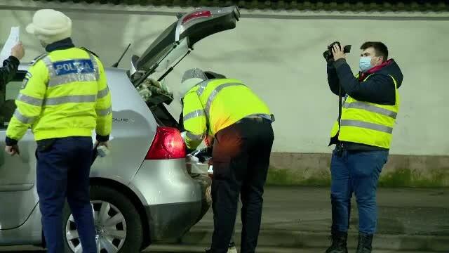 Tânăr beat fără permis și conducând o mașină neînmatriculată, prins de polițiști în Botoșani. Trebuia să stea și în carantină