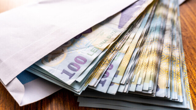 Studiu: Partidele primesc de la stat mai mulți bani decât au nevoie. PSD și PNL cheltuie cel mai mult pe propagandă