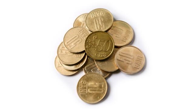 Cursul euro sensibilizeaza pana si bancile: amanare la plata ratelor!